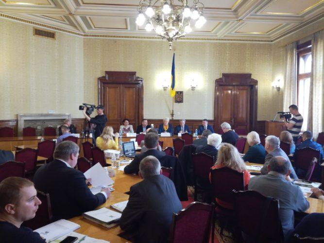 Участь у засіданні круглого столу «Екологічні проблеми Чернівецької області та шляхи їх розв'язання на засадах збалансованого (сталого) розвитку»