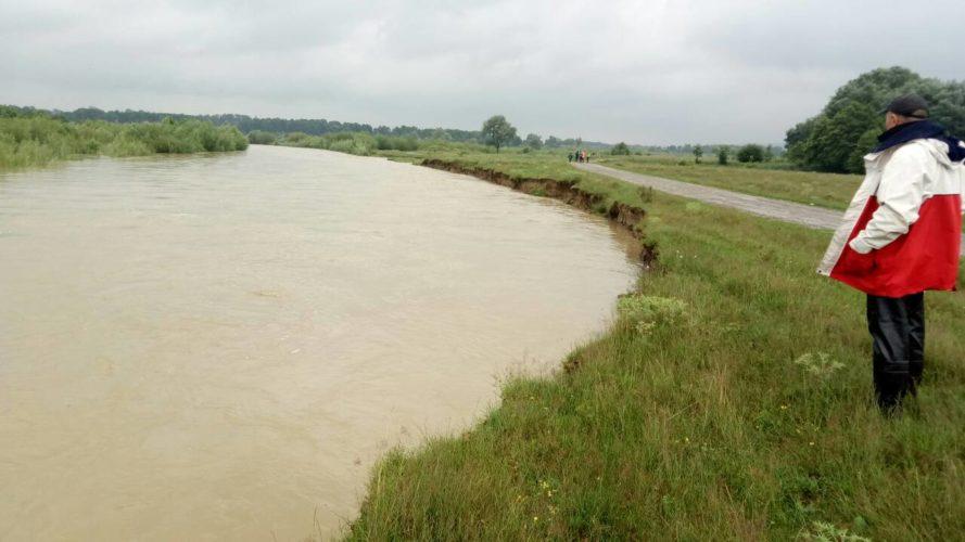 Оперативні дані по проходженню паводку в басейні річок Дністер, Прут та Сірет (01.07.2018 р.)