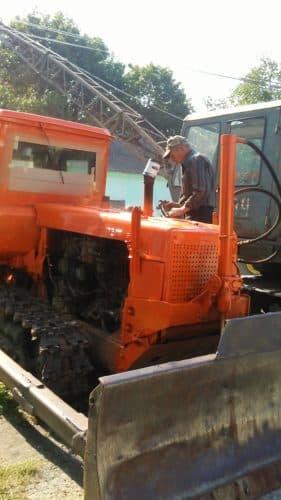 Кельменецьке МУВГ проводить ремонт обслуговування техніки